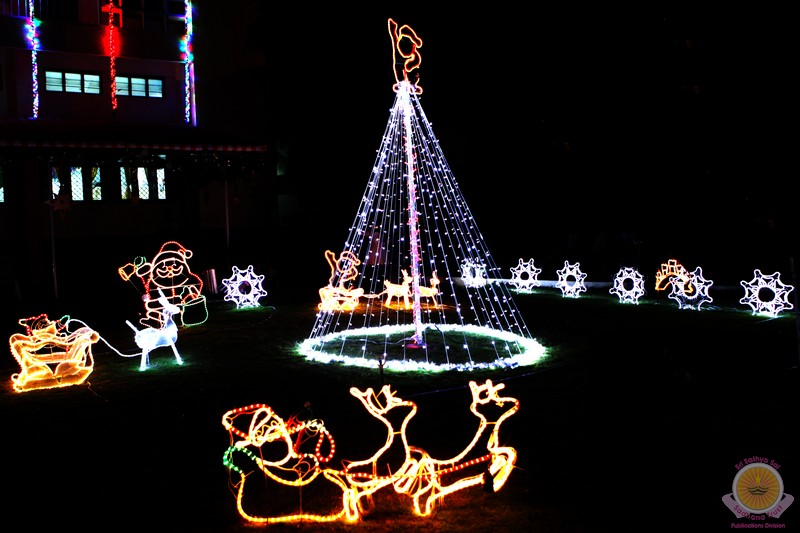 joy of living christmas decorations 2011