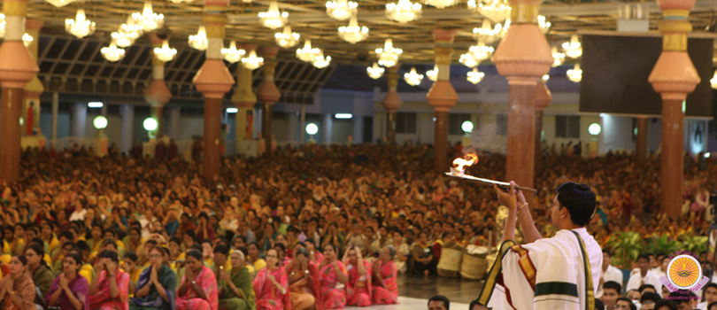 Glittering Prasanthi witnesses culmination of Akhanda Bhajan�