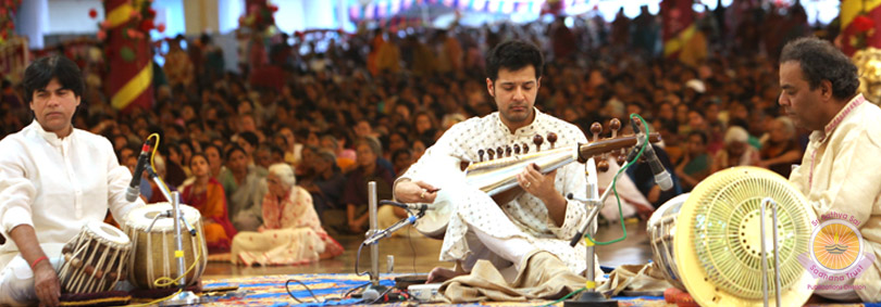 Soul-stirring Carnatic and Sarod Recital�