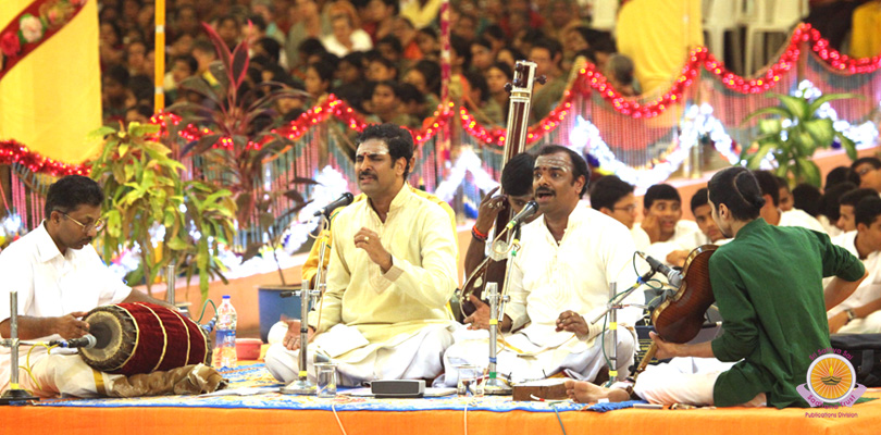 Carnatic Concerts and Jhoola Mahotsavam�