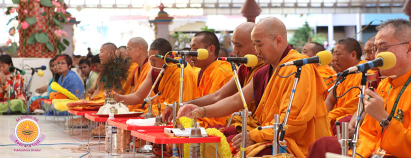 Holy Buddhist Chants�