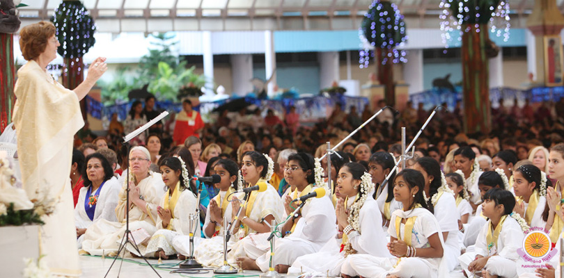 Int'l Children's Choir marks grand finale of Prasanthi Christmas…