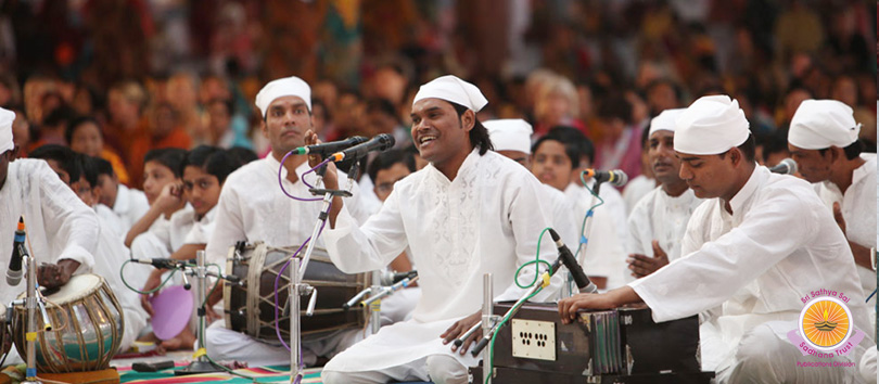 Sai Sufi Qawwali by the Youth From UP & Uttarakhand…